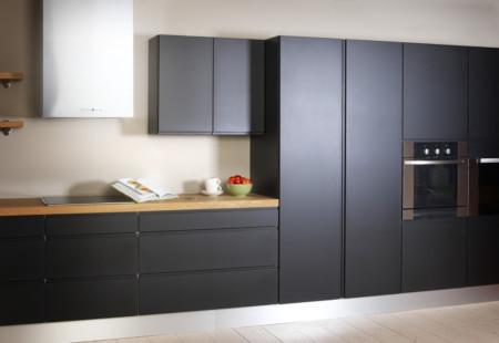 Rumba M-168 täysmatta musta keittiö